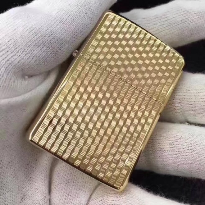Gold Japanese Version Wavy Armor Zippo Lighter