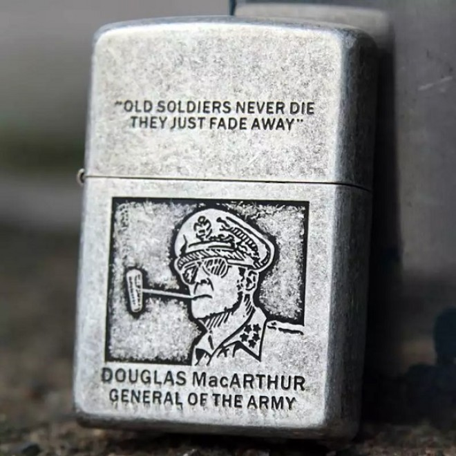Tattoo Douglas MacARTHUR general of the army Zippo Lighter
