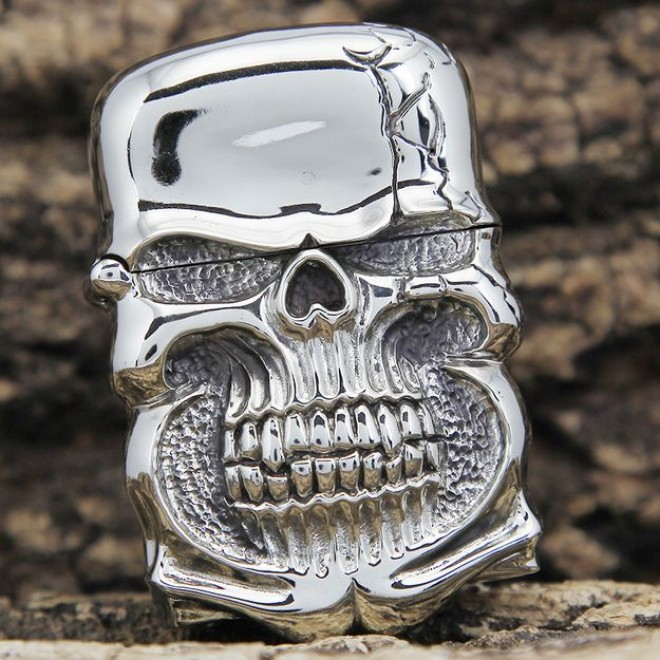 Japanese Handcraft Master Tibetan Silver Demon Skull Jacket Zippo Lighter